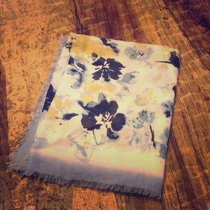 Accessories - BEAUTIFUL WATERCOLOR FLORAL PRINT SCARF